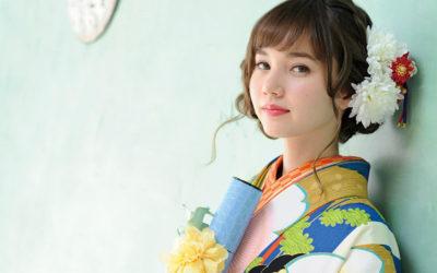 卒業袴を着た女性