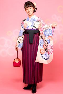 袴姿の女性