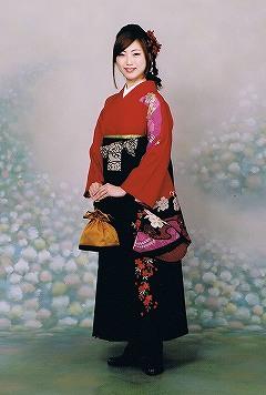 袴を着た女性