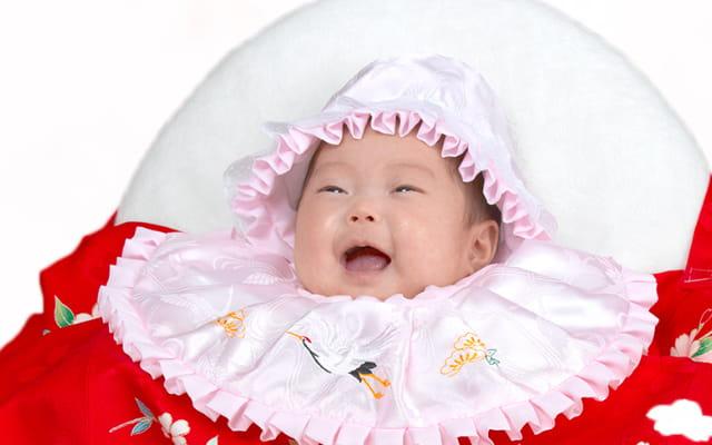 初着を着た赤ちゃん