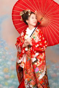 色打掛を着た女性