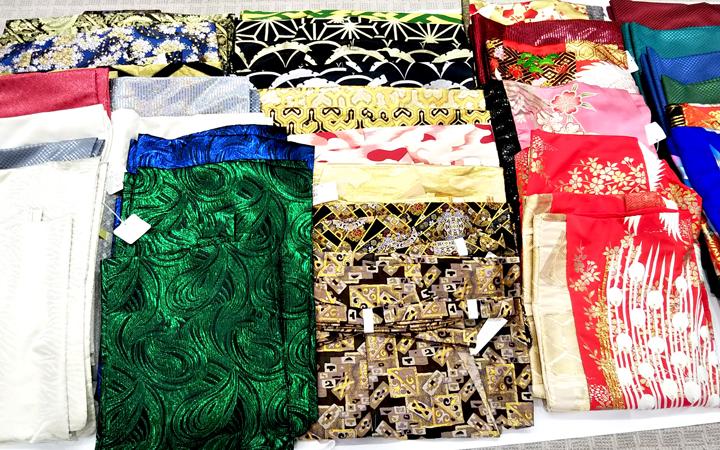 紋付袴展示会 2月24日まで 着物、袴、緊急追加